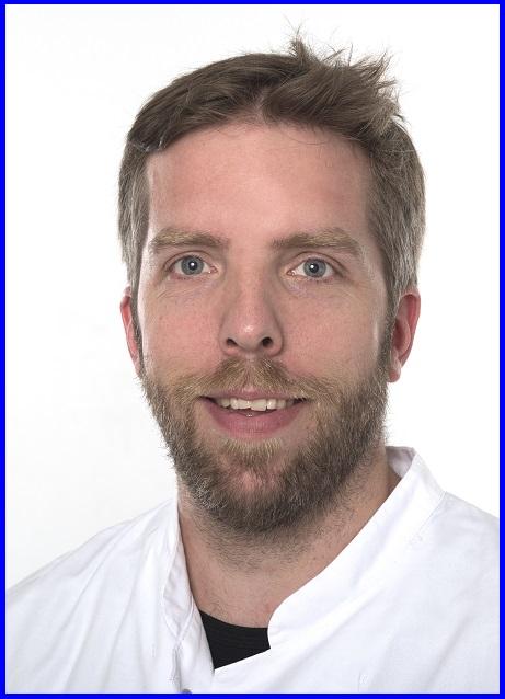 Dr.  Robert Hüneburg